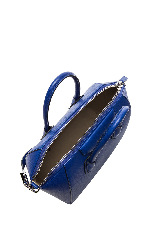 Image 4 of GIVENCHY Medium Antigona in Blue