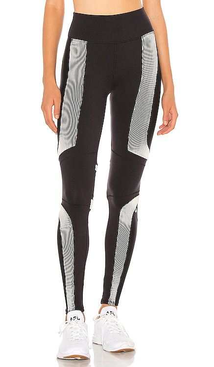 Electric Legging alo $152 NEW