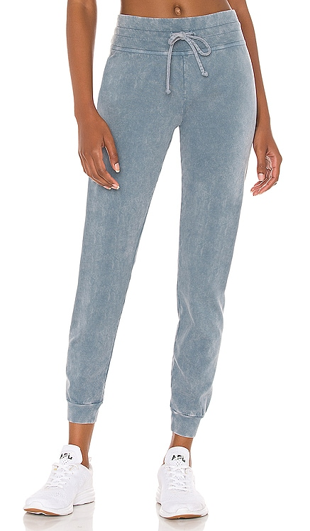PANTALON SWEAT HEY CHAMBRAY Beyond Yoga $110 BEST SELLER