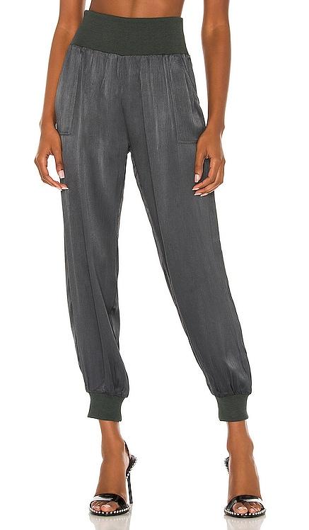 BLACK Sleek Textured Pant Bobi $101