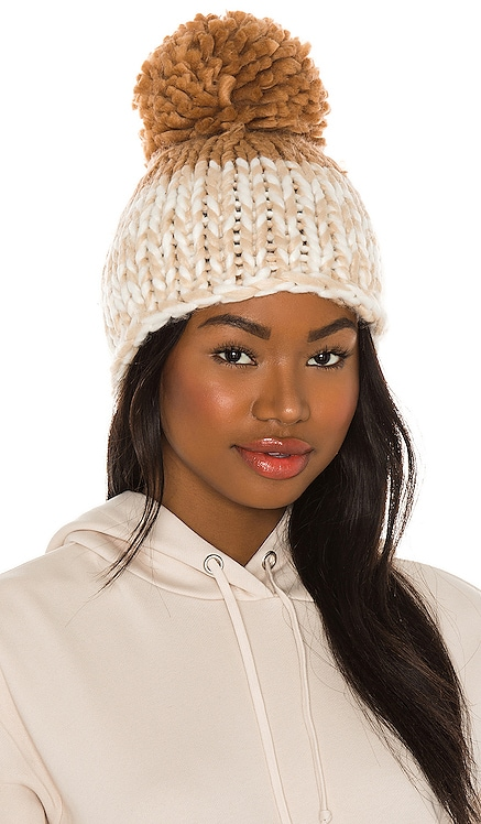 GORRO COZY UP COLOR BLOCK POM Free People $48 MÁS VENDIDO
