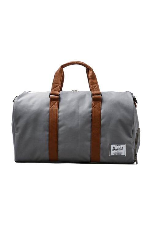 BOLSA FÁCIL DE TRANSPORTAR NOVEL Herschel Supply Co. $90
