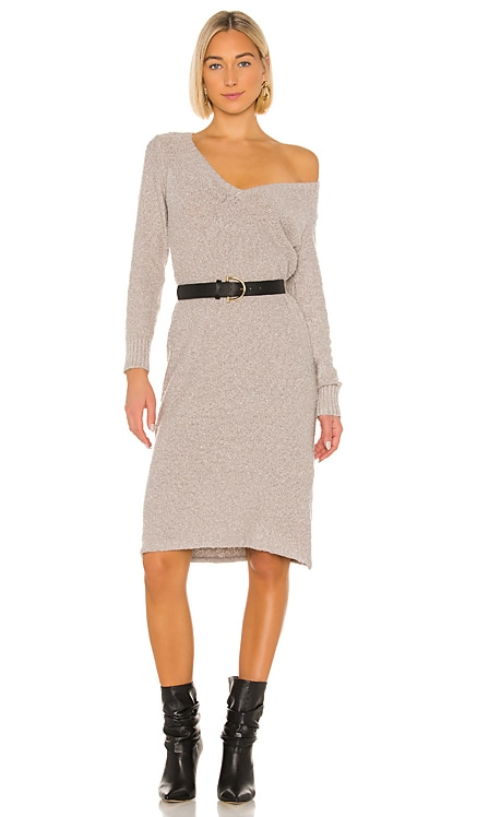 ROBE PULL JULI House of Harlow 1960 $77