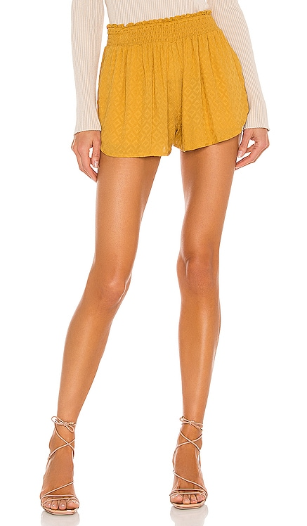 x REVOLVE Kamal Short House of Harlow 1960 $128