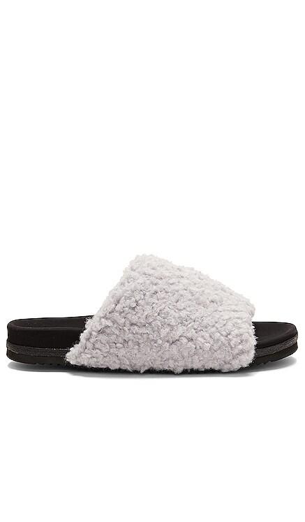Fuzzy Slider R0AM $121 NEW