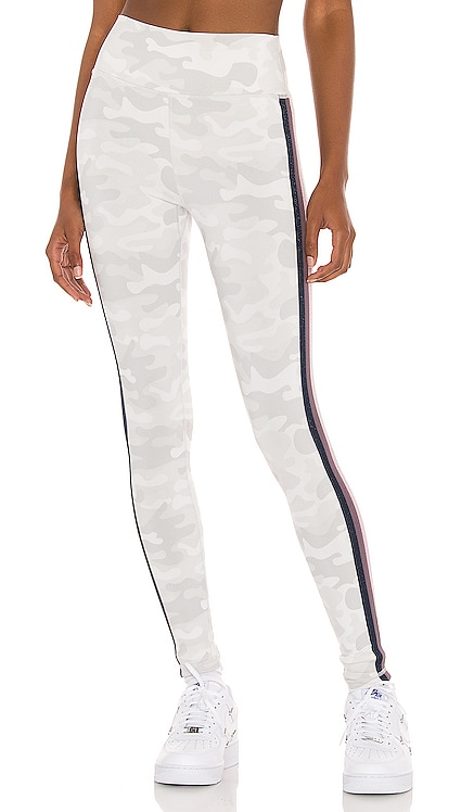 Essential High Waist Legging With Tape Spiritual Gangster $98 NUEVO