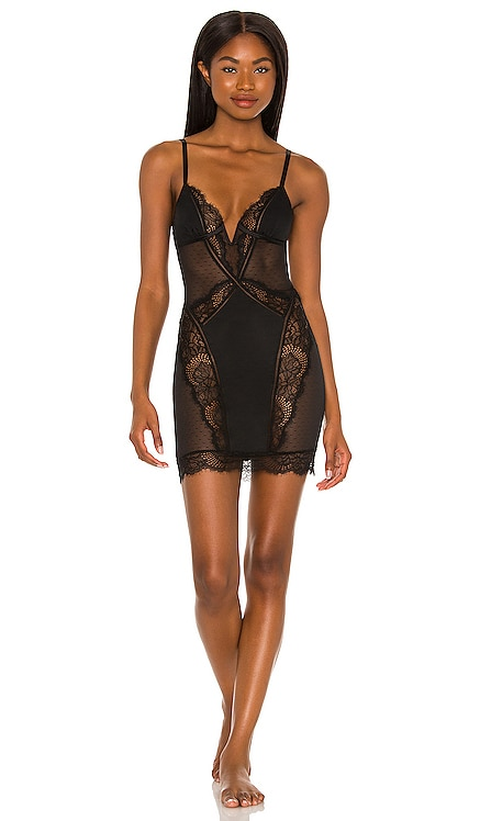 Amore Slip Thistle and Spire $98 NEW