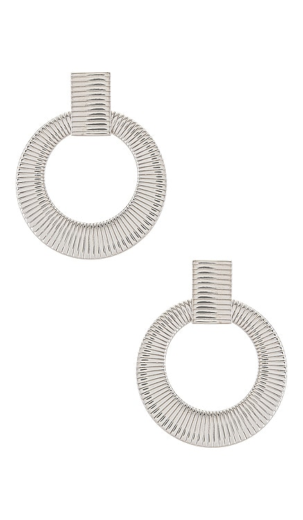 Luna Hoops Uncommon James $62