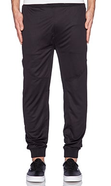 10 Deep VCTRY Mesh Tech Pant in Black