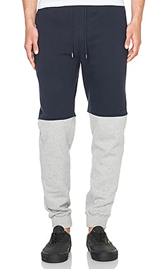 10 Deep High Jump Sweat Pant in Navy