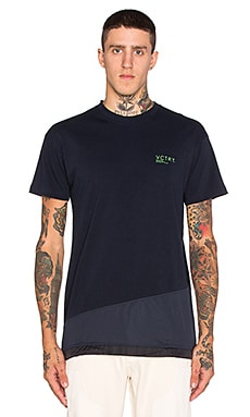 10 Deep Tech Tee in Navy