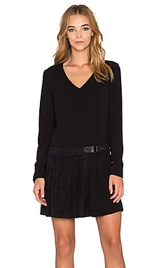 Long Sleeve Pleat Detail Shift Dress in Rich Black