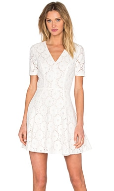 Lace Flare Dress in Weiß