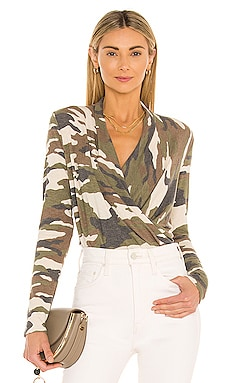 PULL AVENUE CAMO 1. STATE $19 (SOLDES ULTIMES)