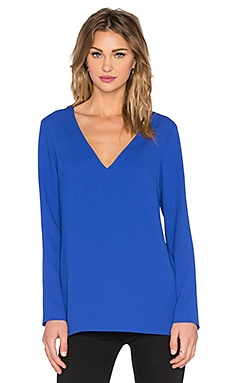 Long Sleeve V Neck Top en Cobalt Crisp