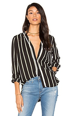 High-Low Pocket Blouse en Rich Black