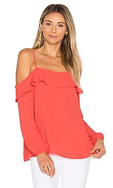 Cold Shoulder with Ruffle Top en Poppy Petal