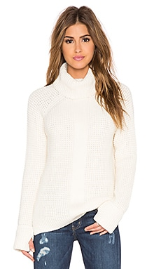 525 america Thumbhole Loose Turtleneck Sweater in White Cap