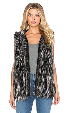 6 SHORE ROAD Hopi Reversible Faux Fur Vest in Black Rock