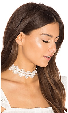 Dutchess Choker in White