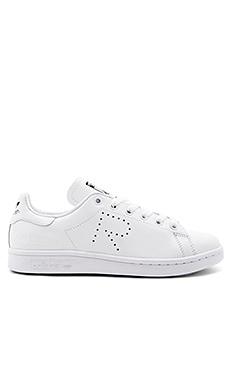 RS Stan Smith Lace Up Sneaker in 白色&黑色