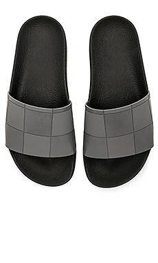Сандалии adilette checkerboard - adidas by Raf Simons