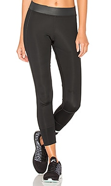 The Performance 7/8 Tight in Black