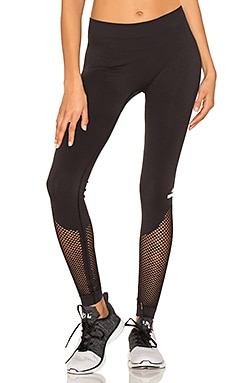 The Seamless Mesh Tight in Black