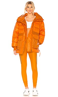 Фото - Парка training - adidas by Stella McCartney оранжевого цвета