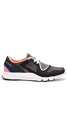 adidas by Stella McCartney Alayta Sneaker in Black, Pomegranite & Granite