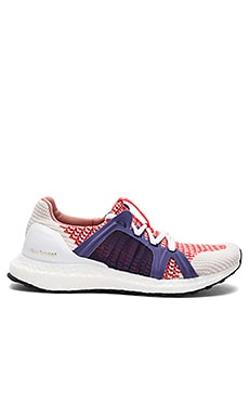 Ultra Boost Sneaker in Bright Red & Plum