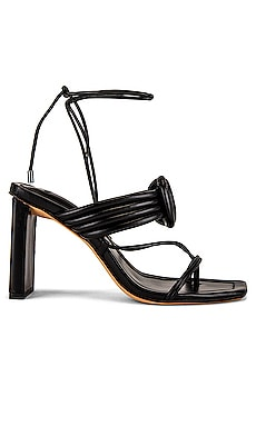 Vicky Maxi Toe Sandal Alexandre Birman $525