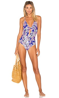 Midnight in Paris Tie Front One Piece en Stained Palm