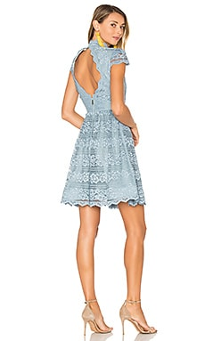 Maureen Lace Dress en Bleu clair