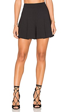 Lorna Highwaist Back Zip Pleat Short in Black