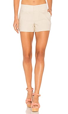 Cady Clean Short in Natural