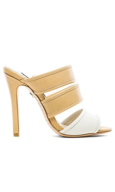 Alice + Olivia Graciella Vachetta Heel in White & Tan
