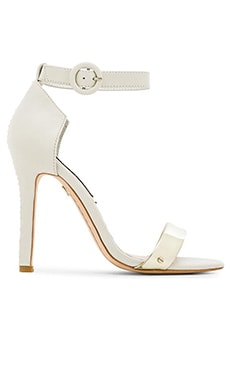 Alice + Olivia Gala Vachetta Heel in White & Pale Gold