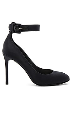 Vivia Satin Pump in Black