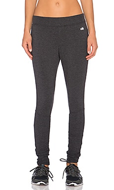 alo Yen Sweatpant in Charcoal Heather