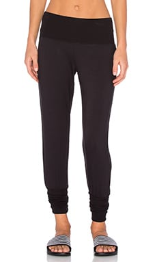 alo Revive Pant 2 in Black