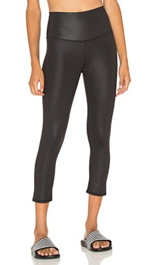 alo High Waist Airbrush Capri en Noir Brillant