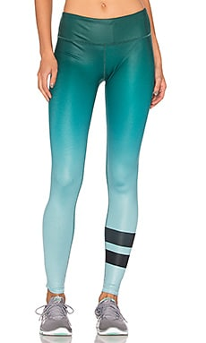 alo Airbrush Legging in Gradient Evermint