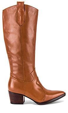 Stevie Boot Alias Mae $82