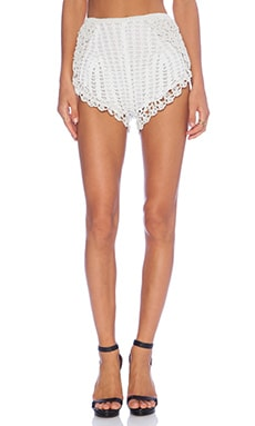 The Arch Shorts in White