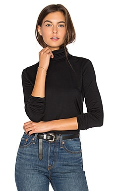 Flannery Turtleneck in Black