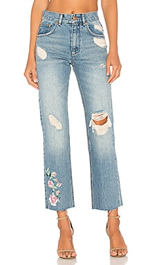 Embroidered Jean en Vintage Blue