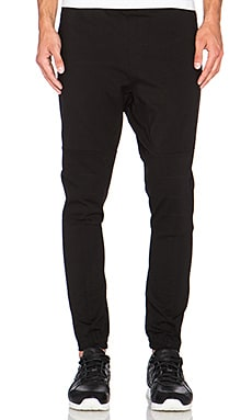 AQ/AQ Bionic Jogger in Black