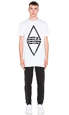 AQ/AQ vs CHEF LDN Grip T-Shirt in White