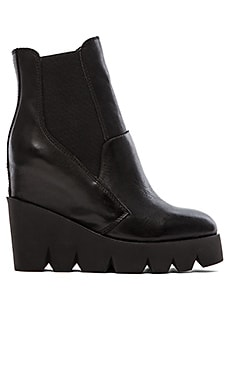 Ash Red Boot in Black